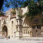 Fachada de la iglesia gotica de Santa Maria La Mayor. (s. XIII-X