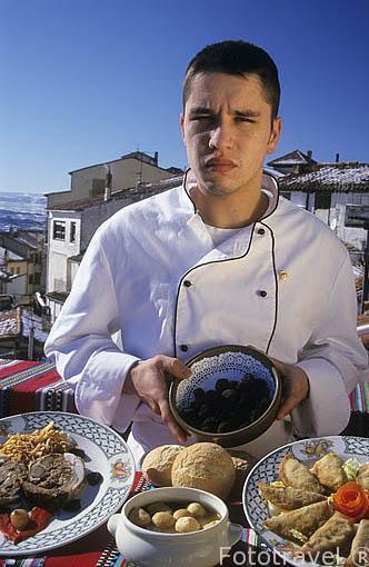 Sr. Jorge con platos elaborados con trufa negra y tipicos de la