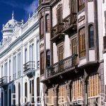 Balcones en la calle Obispo Muro. Barrio de Vegueta. Las Palmas.