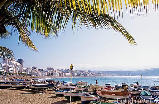 Barcas de pescadores en la playa de las Canteras. Las Palmas. GR
