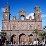La catedral de Santa Ana desde la plaza del mismo nombre. Las P