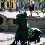 Detalle de una escultura en la plaza de Santa Ana. Las Palmas.