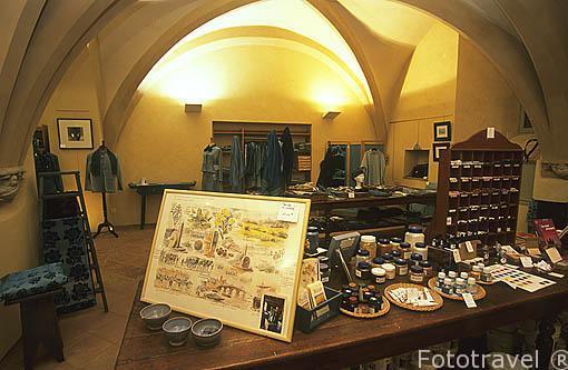 """Interior de la tienda """"La Fleuree de Pastel"""". Aqui se encuentran"""