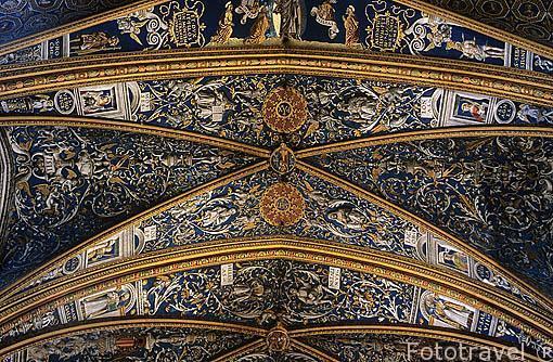 Detalle. La boveda, pintada por artistas italianos de Bolonia (1