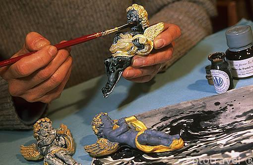 Pintando una pieza con pintura hecha con Blue de Lectoure (azul