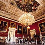 Salón Napoleonico con cuadros de la familia (Salon Napoléonie