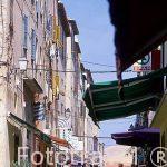 Calle peatonal en el centro de la población de I´LLE-ROUSSE.