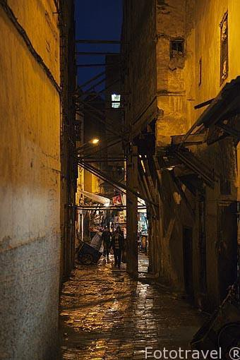 Estrechas calles en la medina del s.IX, casco historico patrimon