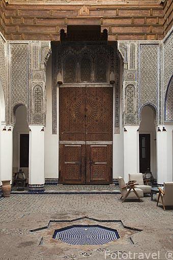 Patio interior del riad (alojamiento) Dar Bensouda. La medina, c