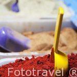 Especias curativas y aromaticas en venta. La Medina, casco histo