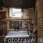 Telar y alfombras en Coin Berbere. La Medina, casco historico pa