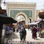 Puerta principal Bab Boujloud. Acceso a la medina del s.IX, casc
