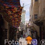 Calles estrechas y comercios en la Medina del s.IX, casco histor