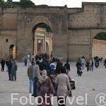 Plaza de Boujloud protegida por murallas. Ciudad de FEZ. Marruec