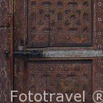 Detalle de una puerta. Interior del riad (alojamiento) Dar Benso