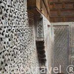 Yeserias en el patio interior del riad (alojamiento) Dar Bensoud