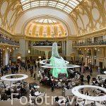 Centro comercial StadsFeestzaal Shopping Center. En la calle comercial Meir. Ciudad de AMBERES - ANTWERPEN. Belgica