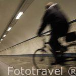 Tunel subterraneo para peatones de De Boring van Deze, 1932, bajo el rio Schelde. Ciudad de AMBERES - ANTWERPEN. Belgica