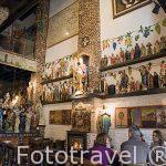 Estatuillas religiosas en el cafe-restaurante Het Elfde Gebod. Ciudad de AMBERES - ANTWERPEN. Belgica