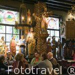 Decoracion interior del cafe-restaurante Het Elfde Gebod. Ciudad de AMBERES - ANTWERPEN. Belgica