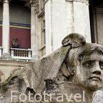 Fachada y esculturas. Museo de Bellas Artes. AMBERES - ANTWERPEN. Belgica