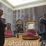 Sala interior y cuadros de Rubens. Museo de Bellas Artes. AMBERES - ANTWERPEN. Belgica