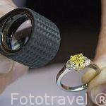 Anillo de con un diamante amarillo de gran pureza y alto valor comercial. Ciudad de AMBERES - ANTWERPEN. Belgica