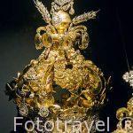Corona de Maria y Jesus. S. XIX. Oro y diamantes. Museo del Diamante. Ciudad de AMBERES - ANTWERPEN. Belgica