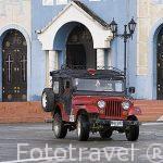 Plaza del pueblo de SALENTO y jeep willys. Valle de Cocora. Quindio
