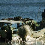 Pescadores en Bahia Playa Blanca Parque Nacional de Santa Rosa. GUANACASTE. Costa Rica.