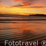 Atardecer sobre la playa de Naranjo. Parque Nacional de Santa Rosa. GUANACASTE