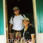 Mauricio y Alicia. Guias del canopy del Rincon de la Vieja Lodge. COSTA RICA.