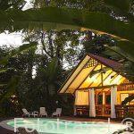 Hotel entre la selva Namuwoki. En lengua Bri-bri significa la casa del Jaguar. Puerto Viejo. Costa Caribe. Costa Rica