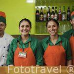 Trabajadores del restaurante. Empresa Sky Adventures. Cerca del Parque Nacional de MOnteverde. Costa Rica