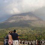 Mirador sobre el volcan Arenal. Empresa Arenal Hanging Bridges. Tilaran. Costa Rica