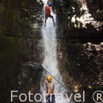 Descenso de barrancos en la zona de La Fortuna. Empresa Pure Trek Canyoning. Costa Rica