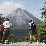 Vista sobre el volcan Arenal desde lo alto del mirador de la empresa Sky Adventures. La Fortuna. Costa Rica