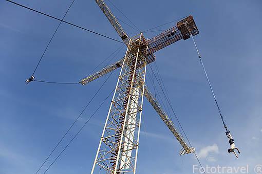 Catapulta y salto bungee. Empresa Pacific Bungee. La Fortuna. Costa Rica