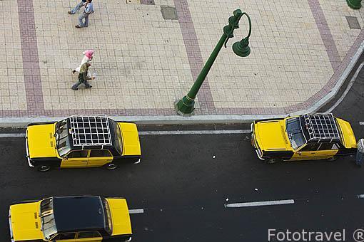 Taxis esperando chientes. Ciudad de ALEJANDRIA. Egipto