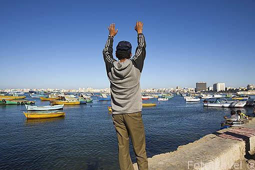 Puerto del Este y barcos pesqueros junto a la calle 26 de Julio. Ciudad de ALEJANDRIA. Egipto
