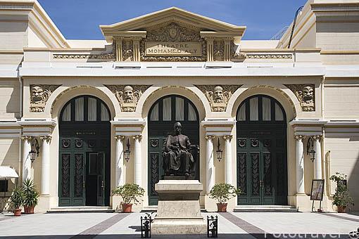 Teatro Mohamed Ali y escultura. Ciudad de ALEJANDRIA. Egipto