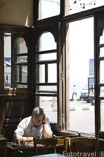Teteria en la calle 26 de Julio. Distrito de El Attarien. Ciudad de ALEJANDRIA. Egipto