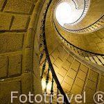 Triple escalera helicoidal, diseñada por Domingo de Andrade en el interior del edificio Museo do Pobo Galego, s.XVII-XVIII. Santiago de Compostela. Ciudad Patrimonio de UNESCO. A Coruña. España