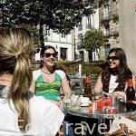 Jovenes en la plaza de Fonseca. Santiago de Compostela. Ciudad Patrimonio de UNESCO. A Coruña. España