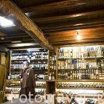 Vinoteca O Beiro en la calle Raiña 3. Santiago de Compostela. Ciudad Patrimonio de UNESCO. A Coruña. España