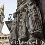 Portada del rectorado, antiguo hospital medieval Benedictino. Santiago de Compostela. Ciudad Patrimonio de UNESCO. A Coruña. España