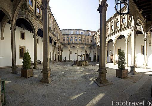 Patio San Juan, s.XVII. Hostal Parador de los Reyes Catolicos. Santiago de Compostela. Ciudad Patrimonio de UNESCO. A Coruña. España