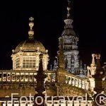 Vistas de la catedral al anochecer desde la plaza de Quintana. Santiago de Compostela. Ciudad Patrimonio de UNESCO. A Coruña. España