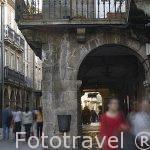 Soportales en la calle Rua Nova. Santiago de Compostela. Ciudad Patrimonio de UNESCO. A Coruña. España