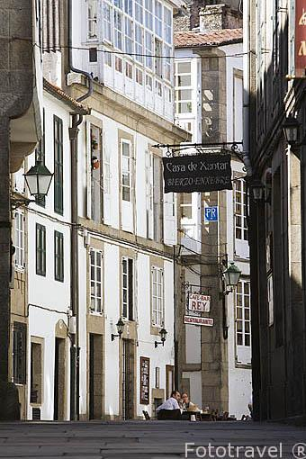Calle Rua da Moeda Vella. Santiago de Compostela. Ciudad Patrimonio de UNESCO. A Coruña. España